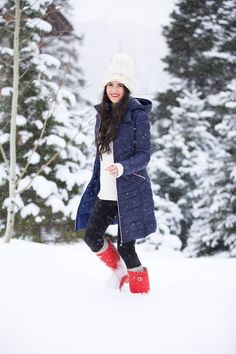 Coat: Bernardo ℅ | Sweater: Tory Burch | Leggings: Nordstrom | Boots: Hunter | Hat: Free People (similar style) | Socks: Free People | Lips: Cherry and YSL #13 I'm sure you saw all my winter wonderland photos on my insatgram and snapchat from our Thanksgiving weekend spent in Deer Valley… All of the fresh snow was [&hellip
