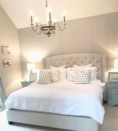💫 Happy Sunday everyone 💛 Beautiful Bedrooms, Beautiful Homes, Master Bedroom, Bedroom Decor, Bedroom Ideas, Getting Out Of Bed, My Room, Modern Decor, Mattress
