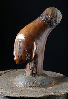 Rare and very old bark box - MANGBETU - Democratic Republic of the Congo