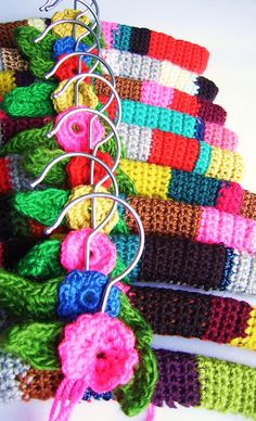 silly old suitcase: crocheting