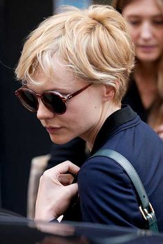 Pixie cuts can be low maintenance as you can leave the hairstyle a few months to grow out before having to cut it again. Most pixie cuts look nice with wavy. Pixie Cut Wavy Hair, Cut My Hair, Short Curly Hair, Short Hair Cuts, Curly Hair Styles, Long Pixie, Pixie Cuts, Messy Hairstyles, Pretty Hairstyles