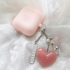 ◜ ˗ˏˋ🏷ˎˊ˗ ◞ 𝚙𝚒𝚗𝚝𝚎𝚛𝚎𝚜𝚝: 𝟷𝟾𝚋𝚘𝚘𝚎 Airpods Apple, Peach Aesthetic, Accessoires Iphone, Airpod Case, Air Pods, Coque Iphone, Kpop, Iphone Accessories, Apple Products