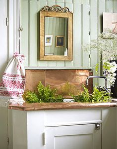 my grandmother had a room just to arrange her garden flowers Copper Backsplash, House Design, Redecorating, Comfy Chairs, Garden Spaces, Home, Beautiful Bathrooms, Old Houses, Home Decor