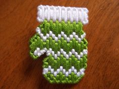 Choose 1 of 2 Green Mitten Pins Merry Christmas Needle