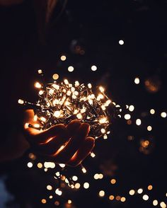 I wish you a wonderful new year's eve and all the best for 2017 ❄ ⭐ Wallpaper Hipster, Lit Wallpaper, Aesthetic Iphone Wallpaper, Aesthetic Wallpapers, Wallpaper Backgrounds, Fairy Light Photography, Tumblr Photography, Winter Photography, Creative Photography