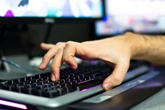 Arm and Hand Exercises for the Most Dedicated of Gamers | Das Keyboard Blog