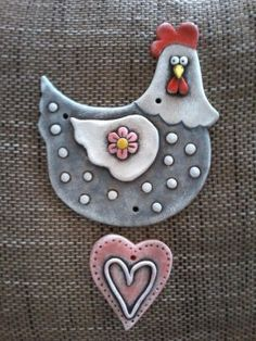 This would be a fun kid project to make with air dry clay and acrylic paint. Clay Birds, Ceramic Birds, Ceramic Clay, Clay Art, Paper Clay, Chicken Crafts, Hand Built Pottery, Clay Ornaments, Clay Figures