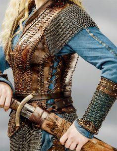 Výsledek obrázku pro lagertha leather armband