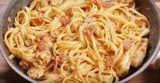 Fettucini carbonara au poulet et au bacon - Ma Fourchette Bacon, Dinner For 2, Go For It, Pizza, Bolognese, Food Inspiration, Good Food, Tagliatelle, Seafood Recipes