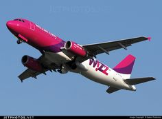 Wizz Air HA-LPK Airbus A320-232 by Gabor Podlovics