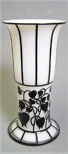 Hans Bolek (1890-1978): Glas Vase, Original von Loetz Wwe., Klostermühle, 1916/17 Bohemia Glass, Urn, Vases, Thrifting, Glass Art, Candle Holders, Objects, Art Deco, Porcelain
