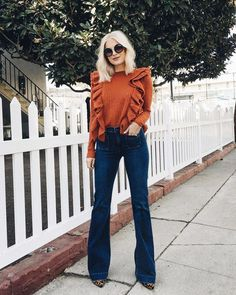 Find Out Where To Get The sweater Source by jeans outfit Flare Jeans Outfit, Jeans Outfit Winter, Fall Winter Outfits, Autumn Winter Fashion, Bohemian Fall Outfits, Looks Chic, Casual Looks, Casual Outfits, Cute Outfits