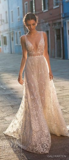 Gali Karten Wedding Dresses 2018 - Burano Bridal Collection features exquisite gowns in a plethora of gorgeous silhouettes. Stunning Wedding Dresses, Wedding Dresses 2018, Prom Dresses, Beach Style Wedding Dresses, Cute Homecoming Dresses, Event Dresses, Pretty Dresses, Beautiful Dresses, Wedding Ideias