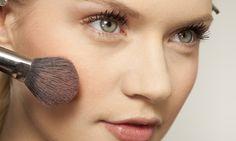 7 produtos de beleza da sua nécessaire que podem fazer mal à saúde