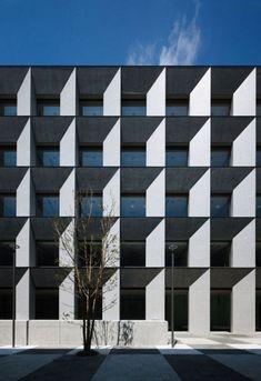 台形断面の柱、梁によるアウトフレーム  立教大学新座キャンパス8号館・4号館増築棟   Nikken Sekkei+NSD |日建設計