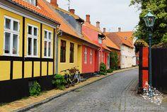In den Gassen von Rønne, Bornholm #gasse #ronne #roenne #bornholm #daenemark