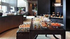The Club Lounge, Buffet,