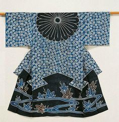 Woman's kazuki kimono worn to be draped over the head as a mourning garment for funerals, century, Japan. River and Japanese maple leaves motif on linen fabric, partially stencil-dyed tsutsugaki. Japanese Textiles, Japanese Patterns, Japanese Fabric, Japanese Design, Chinese Fabric, Kimono Design, Textile Design, Textile Art, Costume Japonais