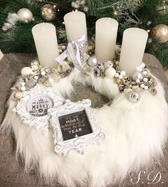 Step-by-Step Guide to - Szőrmés Adventi koszorú ❄️❄️ - DİY, Nagel Design Christmas Advent Wreath, Silver Christmas Decorations, Christmas Candles, Christmas Centerpieces, Holiday Wreaths, Advent Wreaths, Reindeer Christmas, Christmas World, Nordic Christmas
