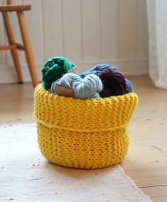A cozy, modern basket made in our eye-catching Fat & Happy. Simple and effective, just how we like it! :)