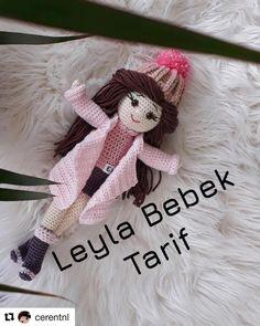 with Hayirli cumalar Uzun zaman önc Crochet Doll Pattern, Crochet Patterns, Doll Toys, Dolls, Ed Design, Crochet Doll Clothes, Amigurumi Doll, Barbie Clothes, Diy And Crafts