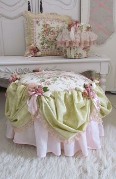 Pretty covers for stool and cushion.