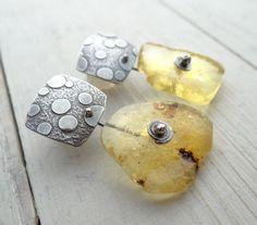 -free-form-copal-circle-earrings (tree resin)