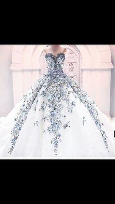 Wow! Imagine walking down the aisle in this....