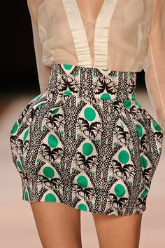 Reminds me of a skirt Hamzah would sew for us... maybe a little shorter :-) @Jessica Yaa