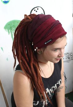Great dreadlocks tube made of fleece The dread is beautiful, warm and is also very practical, because it is pretty light and easy to maintain.  The