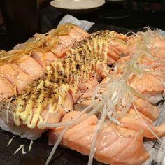 Salmon aburi.