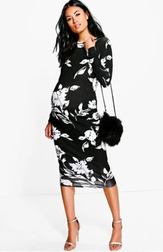 This black and white floral maternity dress is gorgeous! Works great for the office and a day out! Rock that bump at the office! Maternity Mollie Mono Print Long Sleeve Midi Dress | #affiliate #maternityclothes