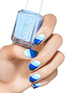 Summer perfect Blue gradient nails with @essie #nailart #inspiration