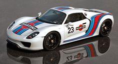 Porsche 918 Spyder in Martini livery