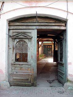 Gypsy entrance, via Flickr.