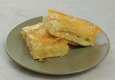 La Srpska gibanica è una sfogliata prelibata di origine serba o balcanica. A dispetto del suo nome, difficile da pronunciare per un italiano, è davvero semplice da preparare e il risultato è strepitoso. Vittorio Castellani, noto a molti come Chef Kumalè, l'ha cucinata in esclusiva per noi nella cucina di Sale&Pepe e, non solo, siamo …