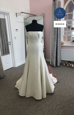 Silk Dress, Bridal Dresses, Tulle, Bride, Formal Dresses, Inspiration, Fashion, Silk Gown, Bride Dresses