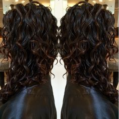 Love this tone on tone Pintura - softly shows the dimension of the curls