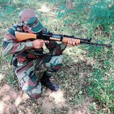 Army Couple Pictures, Cool Girl Pictures, Nature Pictures, Indian Army Special Forces, Indian Army Wallpapers, Army Pics, Cute Love Couple, Army Love, Army Soldier
