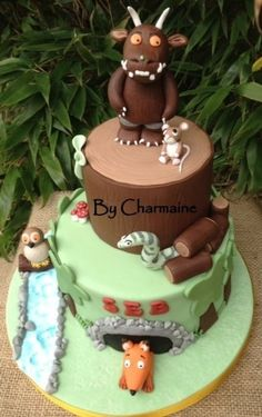 Gruffalo themed two tier cake in vanilla and chocolate ganache :) Dinosaur Birthday Cakes, 2 Birthday Cake, Birthday Ideas, Gruffalo Party, Extreme Cakes, Anna Cake, Hedgehog Cake, Woodland Cake, Book Cakes