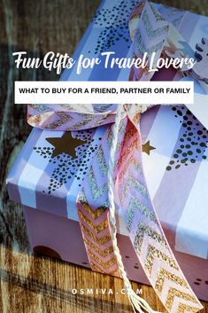 Fun Gifts for Travel Lovers. Gift guide for families who love to travel as well . Travel Advice, Travel Guides, Travel Tips, Travel Hacks, Travel Destinations, Best Travel Gifts, Best Gifts, Vintage Photo Album, Travel Couple