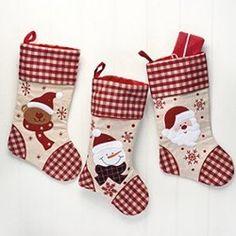 Lot de 3 bottes de Noël. Vos enfant vous réclament tous les ans leur botte de Noël ? Tous les ans il est déçu de ne pas retrouver de friandises le matin de Noël ?  Monmarchedenoelalsacien vous propose la solution avec ces superbes bottes qui décoreront votre intérieur.
