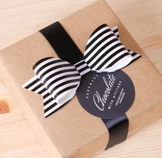 5 x Black Stripe bows / Small / wedding decoration / party decoration / scrapbook embellishment / invitation embellishment / paper ribbon Paper Ribbon Bows, Paper Lace, 3d Paper, Cookie Packaging, Gift Box Packaging, Creative Gift Wrapping, Creative Gifts, Gift Wraping, Gift Wrap Box