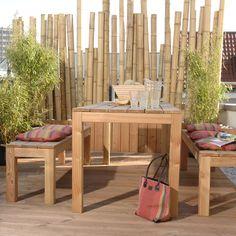 """Gestalten Sie ein Kunstwerk aus Bambus oder lassen sie sich einfach vom fernöstlichen Flair dieses Materials bezaubern. Die Bambusrohre """"Kyoto"""" sind durch Ihre außergewöhnliche Größe ein Hingucker auf jedem Balkon, Garten oder auch im..."""