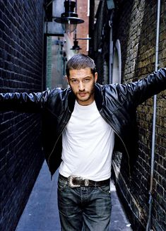 Tom Hardy - TH0059