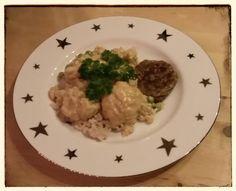 Das Abendessen bei Stefan klingt besonders gut, Vollkornreis mit Blumenkohl in Erdnusscreme und Bratlingen. Zum Nachtisch gabs dann noch eine Ladung Obst.