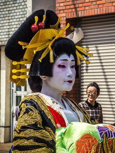 Asakusa/Yoshiwara Ichiyo Matsuri, pt. 9: ...and here is Fujinami tayu. 2/2 #Asakusa, #Yoshiwara, #Ichiyo, #matsuri, #tayu, #oiran, #dochu, #Fujinami April 9, 2016 © Grigoris A. Miliaresis