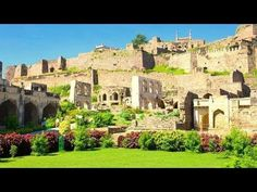 Golconda, is a citadel and fort in Southern India and was the capital of the medieval sultanate of the Qutb Shahi dynasty is situated 11 km mi) west of Hyderabad. India Asia, India Tour, South India, Holiday Destinations In India, Amazing India, Online Travel, Tourist Places, Day Tours, Hyderabad