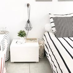 Bedroom - black and white -