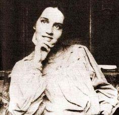 Sibilla Aleramo, pseudonimo di Rina Faccio (Alessandria, 14 agosto 1876 ma vissuta fino al 1899 a Civitanova Marche – Roma, 13 gennaio 1960)
